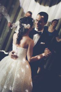Fotografia ślubna - pierwszy taniec pary młodej